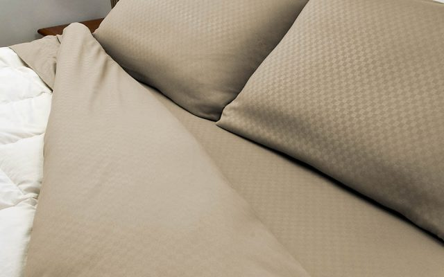 Hotel Life Bedsheets, product photography by Roselle Product photographer Controlled Color, Inc.